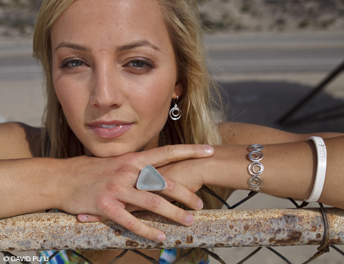 CLASSIC MEGA Sea Glass Ring in sea foam/light blue worn by Hailey Partridge
